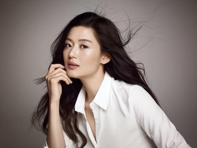 Son Ye Jin va loat nhan sac danh tieng xu Han cung tai xuat trong 2020 hinh anh 8