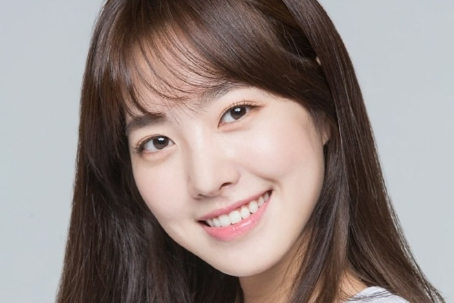 Suzy,  IU,  Kim So Hyun,  Kim Yoo Jung anh 5