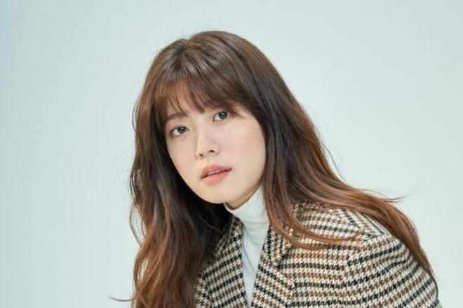 Suzy,  IU,  Kim So Hyun,  Kim Yoo Jung anh 8