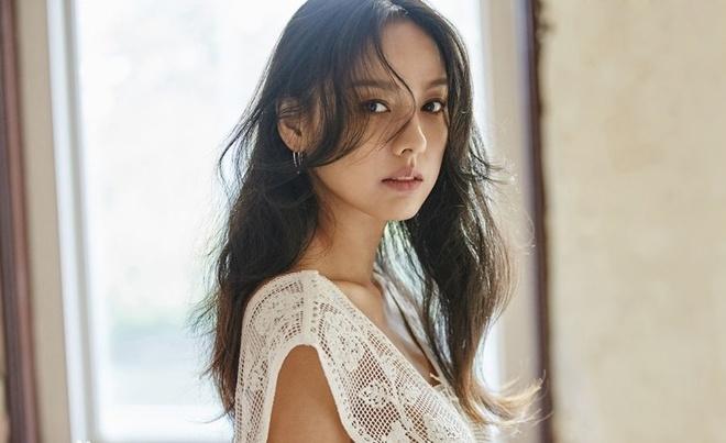 Lee Hyori - 'nu hoang sexy' tu bo tat ca ve lam nong voi chong ngheo hinh anh 1 Lee_Hyori_5.jpg