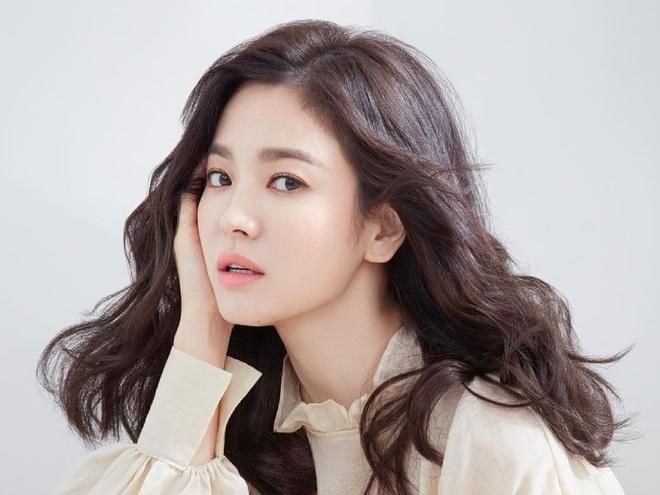 Ha canh noi anh,  Hyun Bin,  Son Ye Jin,  Song Hye Kyo,  Crash Landing on You anh 3