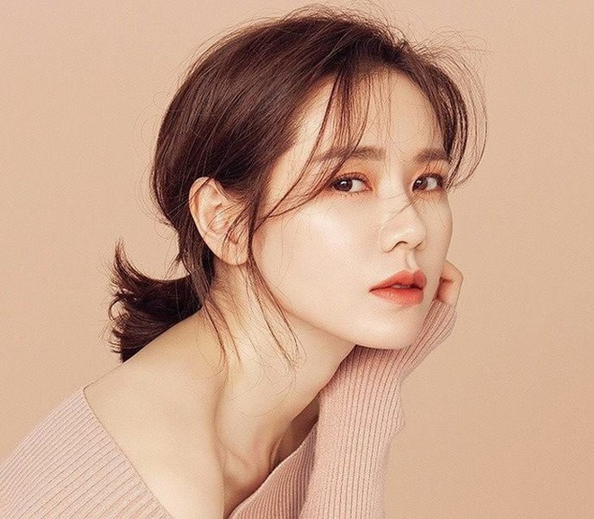 Do sac Song Hye Kyo, Son Ye Jin - hai nguoi tinh man anh cua Hyun Bin hinh anh 8 Ban_dien_Hyun_Bin_7.jpg