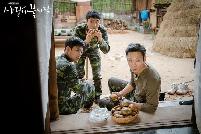 Ha canh noi anh,  Hyun Bin,  Son Ye Jin,  Trieu Tien,  Bac Han anh 3