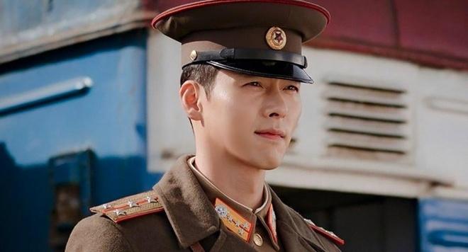 Hình tượng quân nhân Jung Hyeok được nam diễn viên Hyun Bin thể hiện đã làm tan chảy nhiều khán giả nữ. Kang Nara khẳng định, hình như quân nhân như Jung Hyeok cô chưa từng gặp ở Triều Tiên.