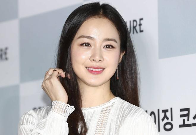 Ha canh noi anh,  Kim Hye Soo,  Son Ye Jin,  Hyun Bin,  Kim Tae Hee anh 3