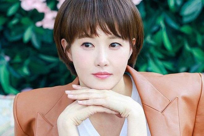 Tuoi 45 cua nang 'Kim Sam Soon' sanh vai Hyun Bin mot thoi hinh anh 7 Kim_Sun_Ah_3.jpg