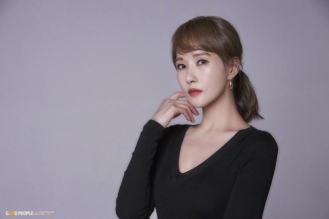 Tuoi 45 cua nang 'Kim Sam Soon' sanh vai Hyun Bin mot thoi hinh anh 8 Kim_Sun_Ah_5.jpg