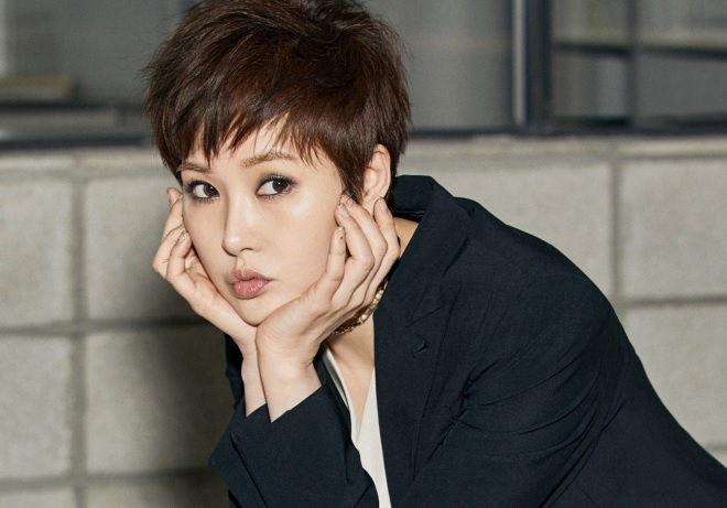 Yoo Seung Ho,  Lee Sung Kyung,  Go Ara anh 10