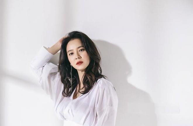 My nhan 'Song hoa diem' tro lai sau nhung on ao, tai tieng hinh anh 3 Song_Ji_Hyo_2.jpg