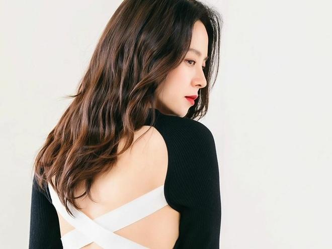 My nhan 'Song hoa diem' tro lai sau nhung on ao, tai tieng hinh anh 4 Song_Ji_Hyo_3.jpg