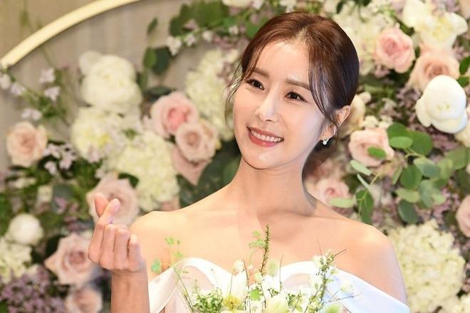 Han Eun Jung,  Ngoi nha hanh phuc anh 1