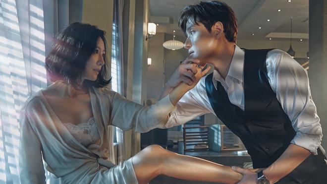 Ha canh noi anh,  The gioi hon nhan,  Hyena,  Kim Hye Soo,  Joo Ji Hoon anh 2
