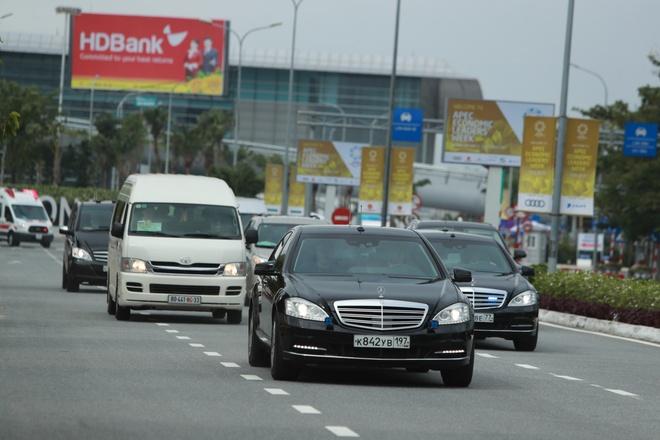 Doan xe cua Tong thong Putin tren duong pho Da Nang hinh anh