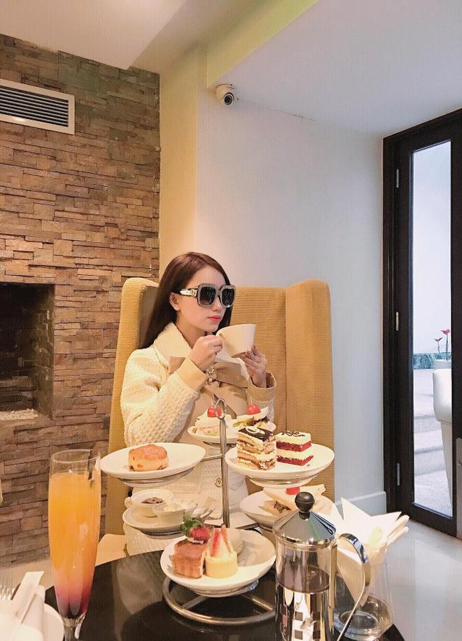 26678456 808065899395399 3034760921791425494 o Ảnh Bạn gái của các cầu thủ U23 Việt Nam xinh như hot girl