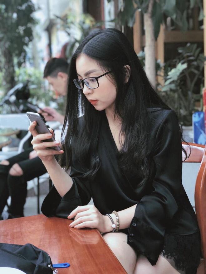 28947934 1021205928028793 8862191177967763066 o Ảnh Bạn gái của các cầu thủ U23 Việt Nam xinh như hot girl