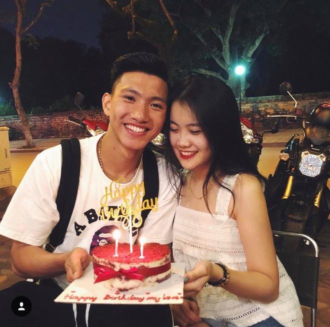 30741998 584459681915269 7014085012056178688 n 1 Ảnh Bạn gái của các cầu thủ U23 Việt Nam xinh như hot girl