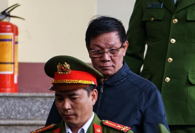 Ong Phan Van Vinh: 'Toi da dua ong vao tay ao' hinh anh