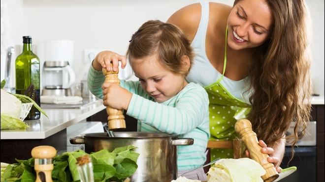 Tuyệt chiêu giúp bé thích ăn rau củ