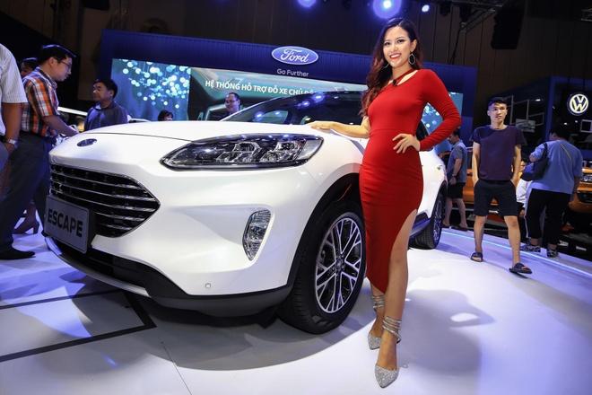 Trai nghiem nhanh Ford Escape 2020 - dien mao thay doi hoan toan hinh anh