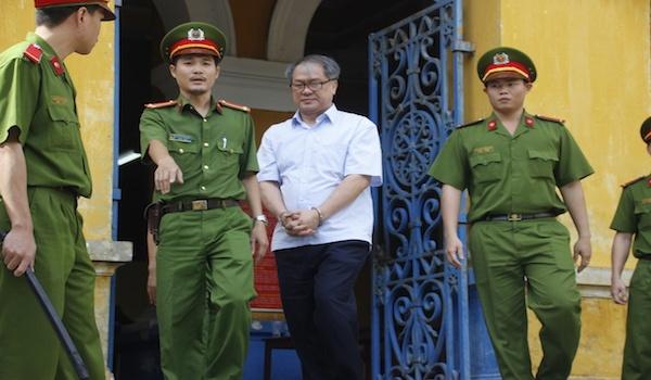 Pham Cong Danh: Cha con ong Thanh la ke hai toi hinh anh 2