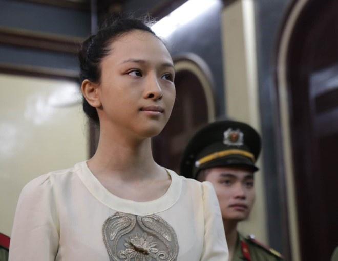 Hoa hau Phuong Nga van bi truy to toi lua dao hinh anh