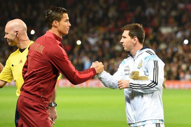 Xavi: Van de voi Ronaldo la Messi hay nhat the gioi hinh anh 1