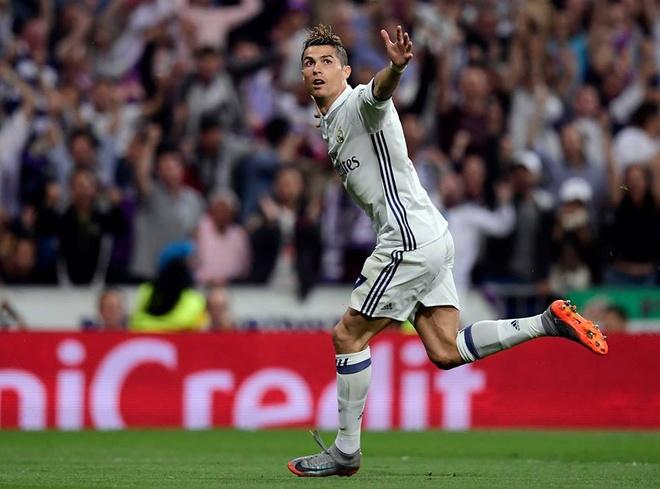 'Messi cu viec nang ao an mung, con nang cup hay de Ronaldo' hinh anh