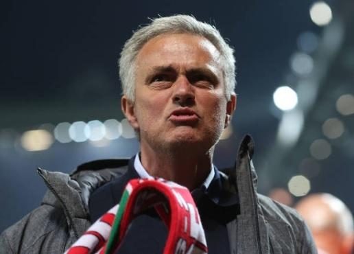 Co Mourinho, MU se vo dich Europa League? hinh anh