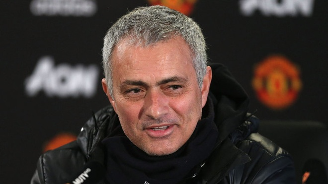 Mourinho va MU da bat on the nao trong mua dau tien? hinh anh 1