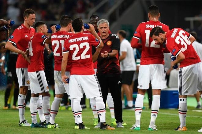 Mourinho: 'Chua tung yeu doi bong nao nhu MU' hinh anh 1