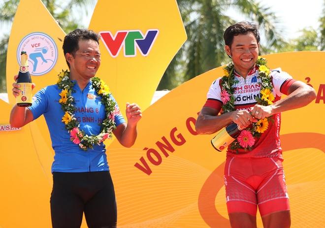 Chang 8 VTV Cup 2017: Chien thang kep cho anh em Minh - Duan hinh anh