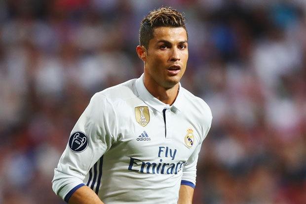 Trac nghiem ban hieu nhung gi ve Cristiano Ronaldo? hinh anh