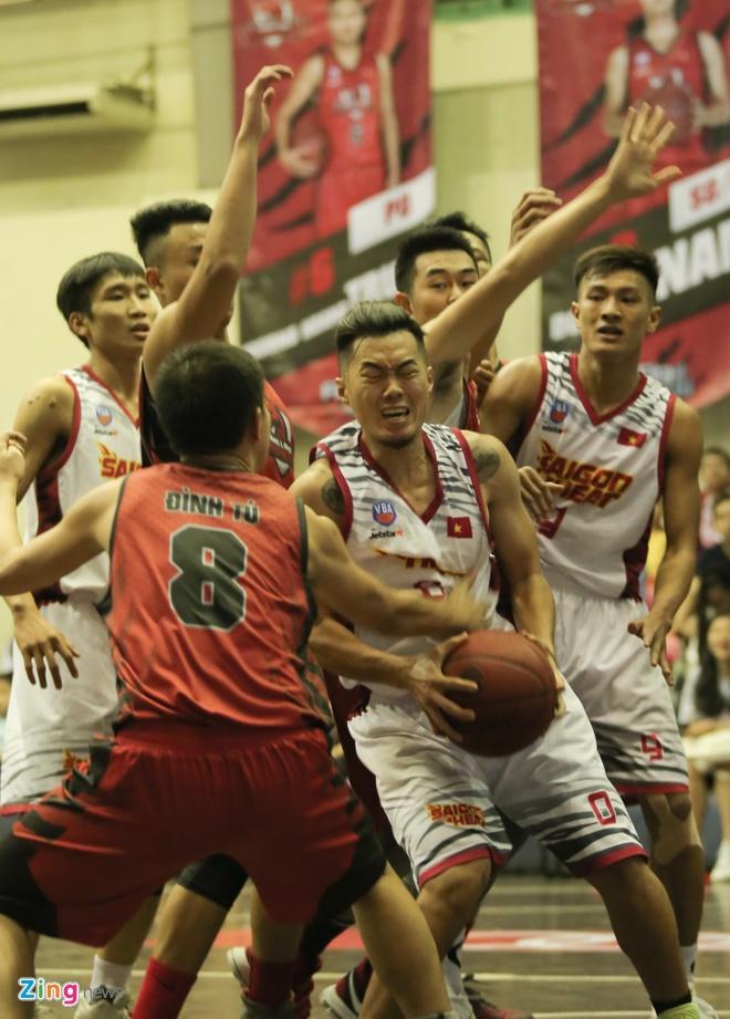 Dan 3 hiep, Saigon Heat van de Thanglong Warriors loi nguoc dong hinh anh 14