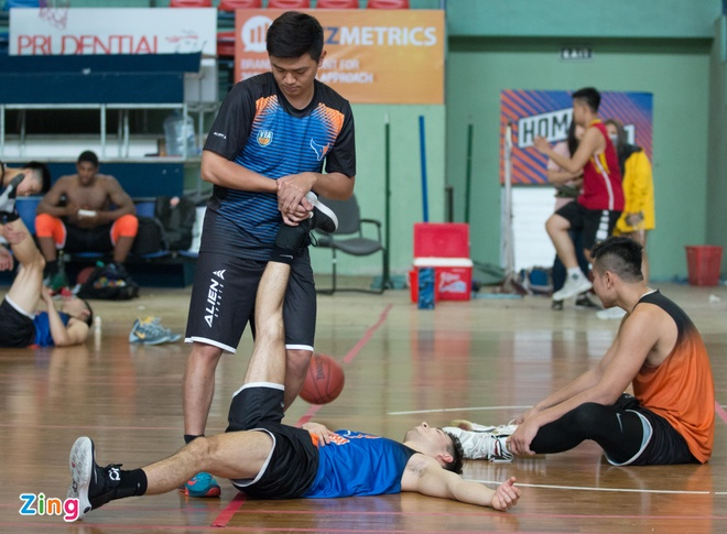 Vincent Nguyen, Hoang Ca tich cuc tap luyen nham phuc han TL Warriors hinh anh 17