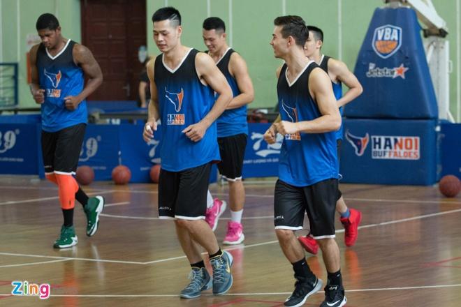 Vincent Nguyen, Hoang Ca tich cuc tap luyen nham phuc han TL Warriors hinh anh 3