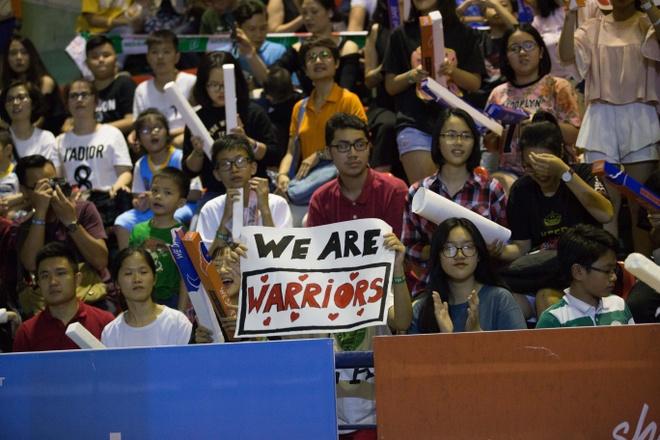Fan Thanglong Warriors danh chiem san nha cua Hanoi Buffaloes hinh anh