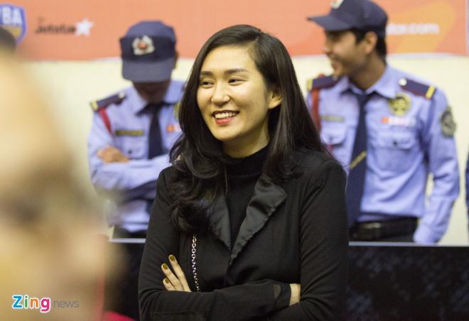 Fan nu bong ro co vu chung ket VBA 2017 hinh anh 6
