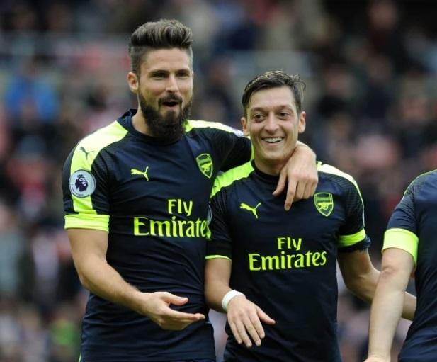 Nhung bo doi an y nhat lich su Premier League: MU lep ve Arsenal hinh anh 12