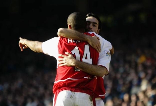 Nhung bo doi an y nhat lich su Premier League: MU lep ve Arsenal hinh anh 4