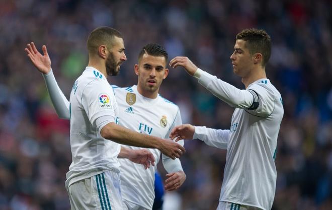 Thua khi phong do cao, Real Madrid tinh buong La Liga? hinh anh 1