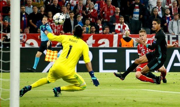 Thang Bayern, nhung Real van nang moi lo o luot ve hinh anh 1
