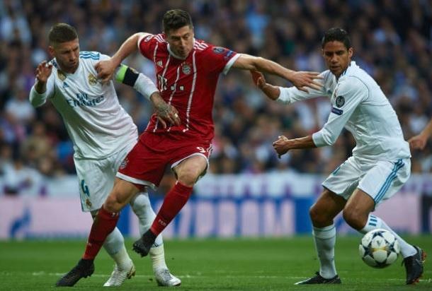 Khac Ronaldo va Real, Lewan va Bayern mai chi la 'vua xu mu'? hinh anh 4