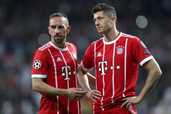 Khac Ronaldo va Real, Lewan va Bayern mai chi la 'vua xu mu'? hinh anh