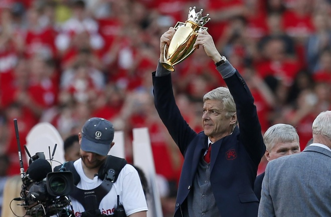 HLV Wenger lap them ky luc trong ngay chia tay Arsenal hinh anh