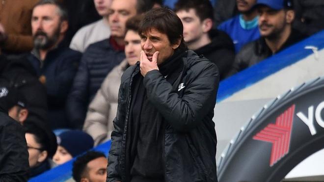 Chelsea tra gia dat cho mua giai vut di? hinh anh 2