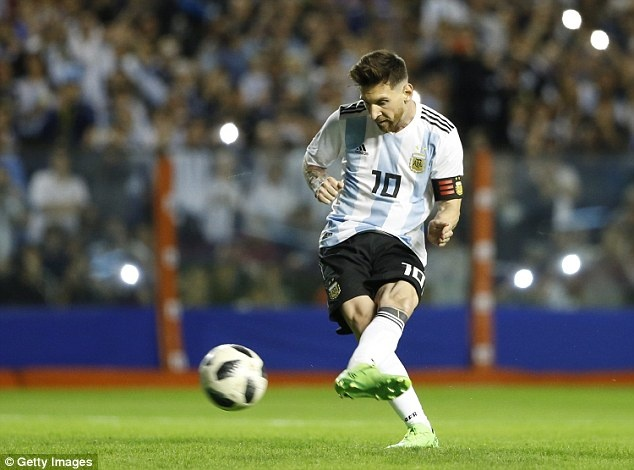 Messi ghi hat-trick, DT Argentina thang tran 4-0 truoc World Cup hinh anh 1