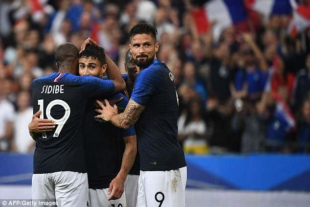 Giroud ghi ban, DT Phap thang 2-0 truoc khi du World Cup hinh anh 1