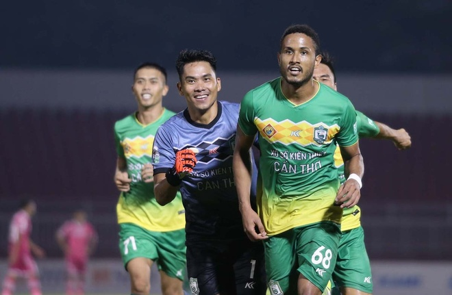 Pha na dai bac cua Hoang Thinh lot top 5 ban dep nhat vong 9 V.League hinh anh