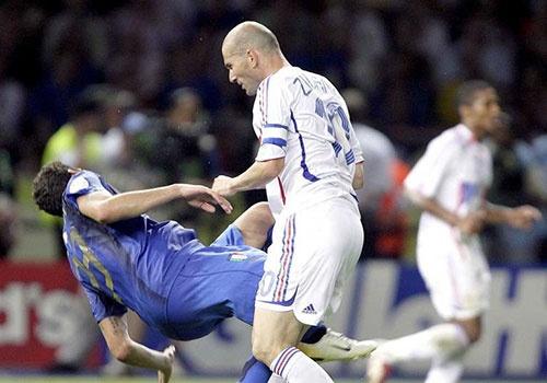 Cu huc dau cua Zidane va 9 khoanh khac kho quen tai World Cup hinh anh