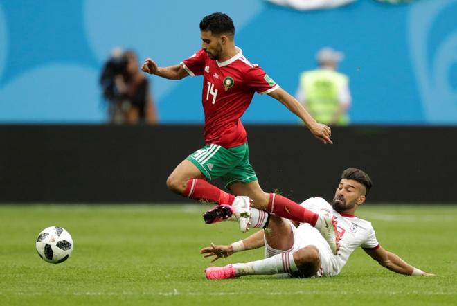 Morocco 0-1 Iran: Hau ve Morocco phan luoi nha dung phut cuoi hinh anh 13